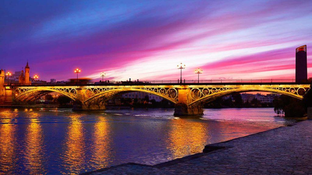 que hacer en Sevilla de noche | Sevilla Guías & Tours | Seville Guides & Tours