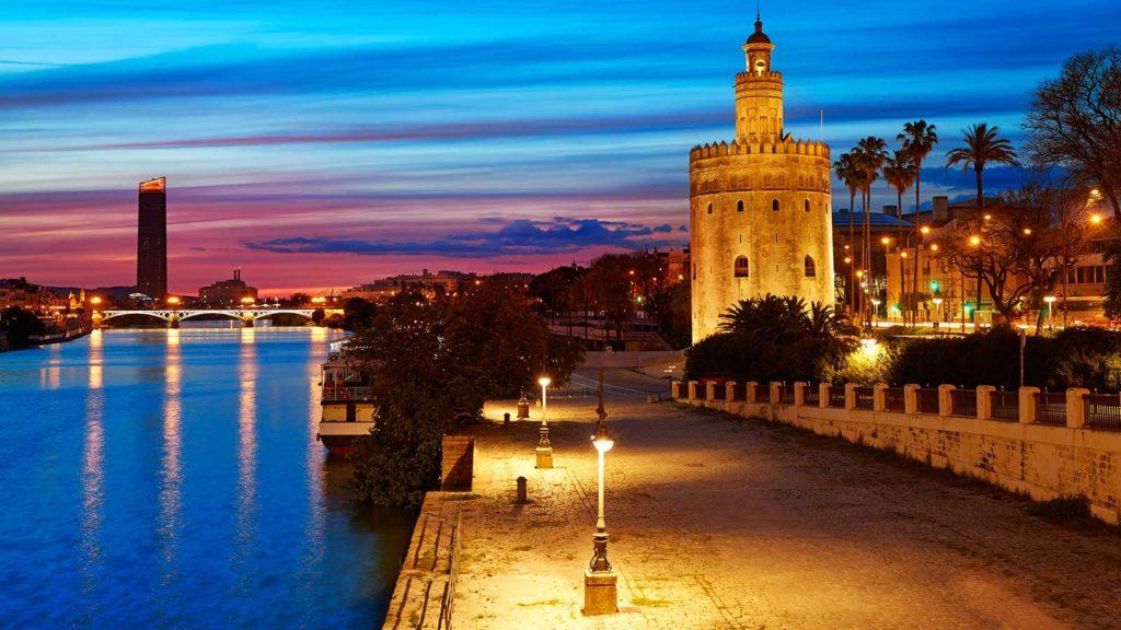 La Giralda de Sevilla Guías & Tours | Seville Guides & Tours | Sevilla de noche