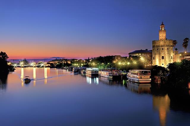 Formas creativas de disfrutar Sevilla de noche